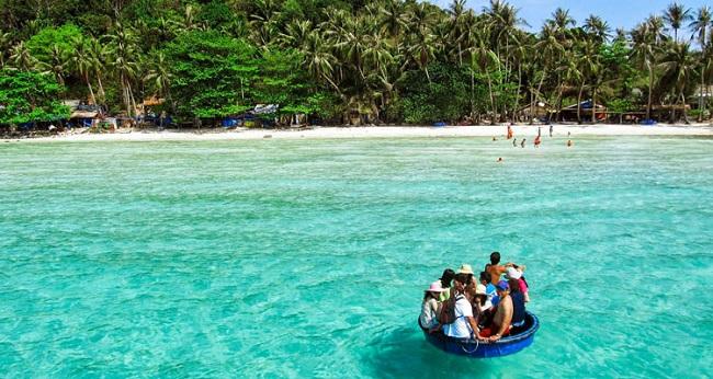 Top 5 most Beautiful Islands in Vietnam  9