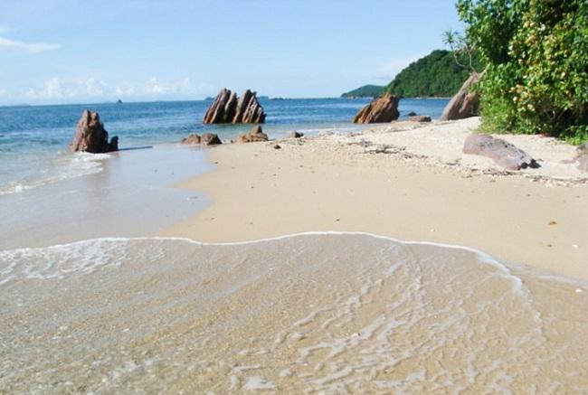 Top 5 most Beautiful Islands in Vietnam  8