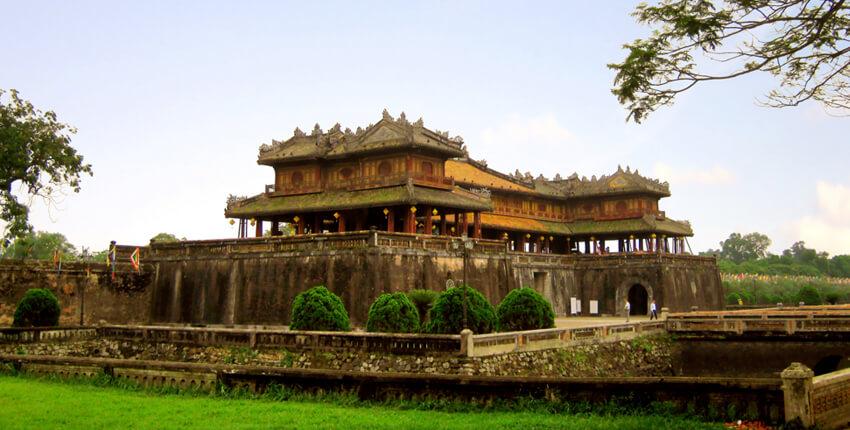 Hue Mausoleum Tour