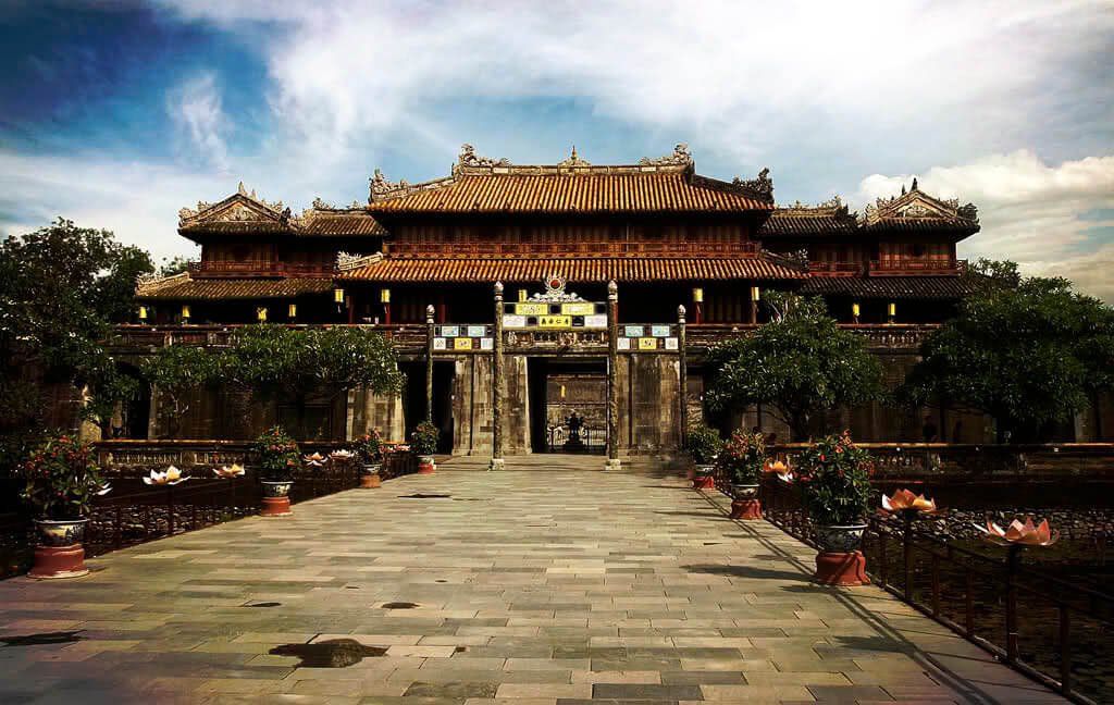 Best Places to Visit in Hue 1