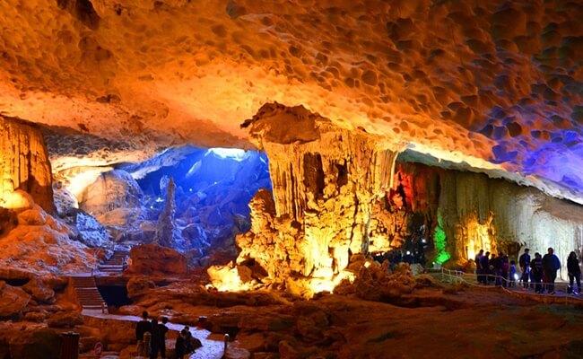 reasons to visit halong bay 3