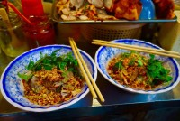 Stroll around Hanoi Old Quarter with 5 Not-to-be-missed Foods