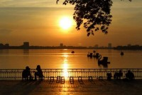 West Lake – The Moment of Tranquility Admist the Bustling City