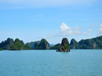 Day 3: Halong Bay - Hanoi (B)