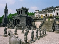 Day 5: The emperor's tomb in Hue – Hoian town (B)